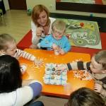 Занятия в детских развивающих центрах. Какая польза?