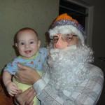 44. Фаддей (6 мес).  Здравствуй, Дедушка Мороз! Жаль стихи я не учу, Улыбнусь, возьму за нос И подарок получу!